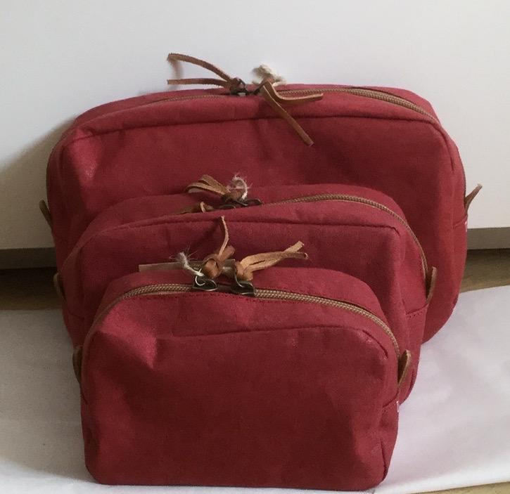 BEAUTY CASE SMALL BORDEAUX