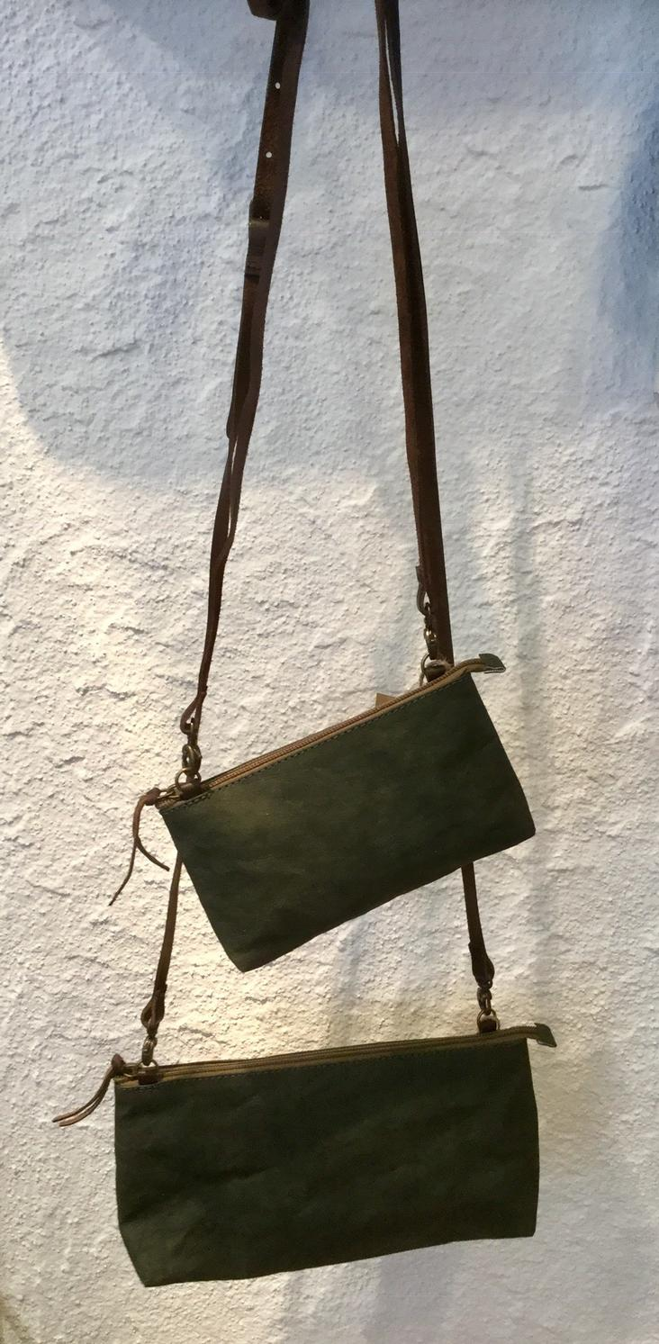 LA BUSTA + TRACOLLA SMALL DARK GREEN